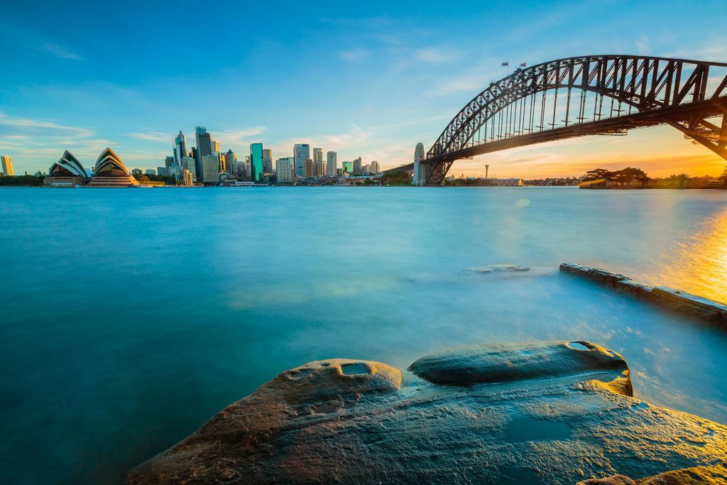 Cityscape-view-of-Sydney,-Australia-in-evening